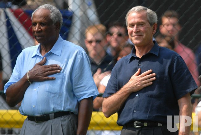 PRESIDENT BUSH HOST WHITE HOUSE TEE BALL GAME IN WASHINGTON