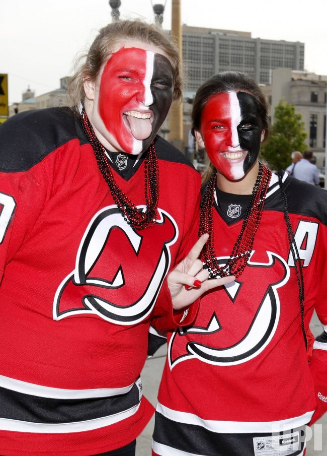 various colors 50345 b54fc New Jersey Devils play the Los Angeles Kings during game 1 ...