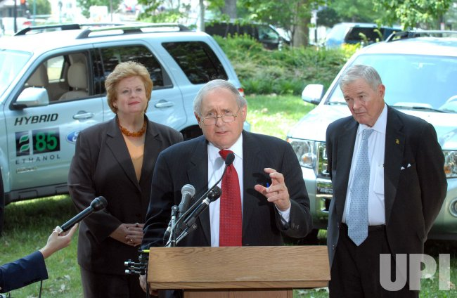 FORD DELIVERS ETHANOL HYBRIDS TO WASHINGTON