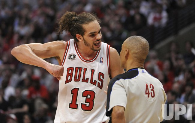 Bulls Noah talks to referee against Pacers in Chicago