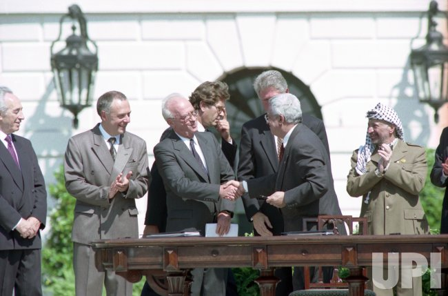 Peace Accord signing at the Clinton White House between the USA, the PLO and Israel