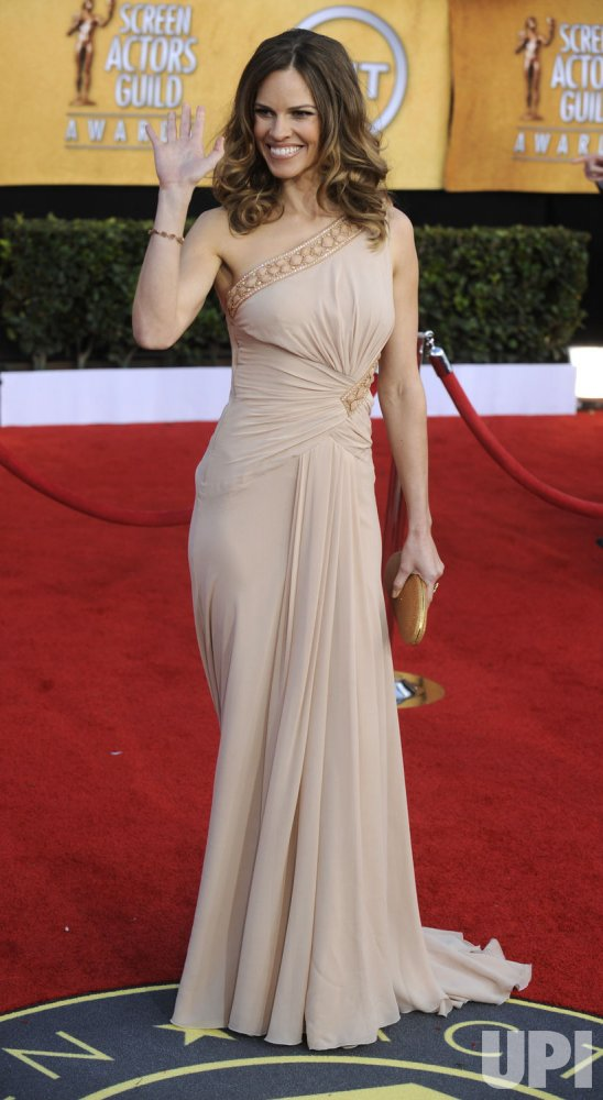 Hilary Swank arrives at the 17th annual Screen Actors Guild Awards in Los Angeles