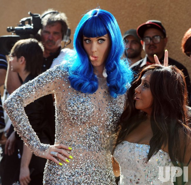 Katy Perry hams it up with Snooky at the MTV Movie Awards in Los Angeles