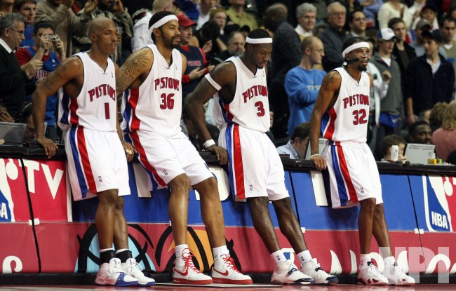 MIAMI HEAT AT DETROIT PISTONS
