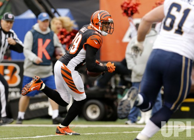 bengals leon hall runs back interception for touchdown