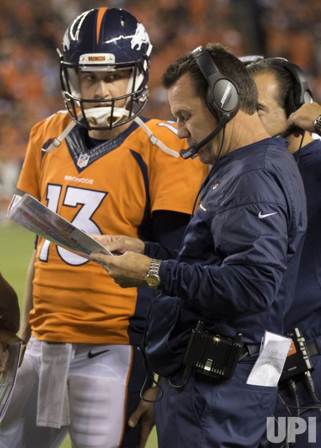 Broncos QB Siemian and head coach Kubiak consult in Denver