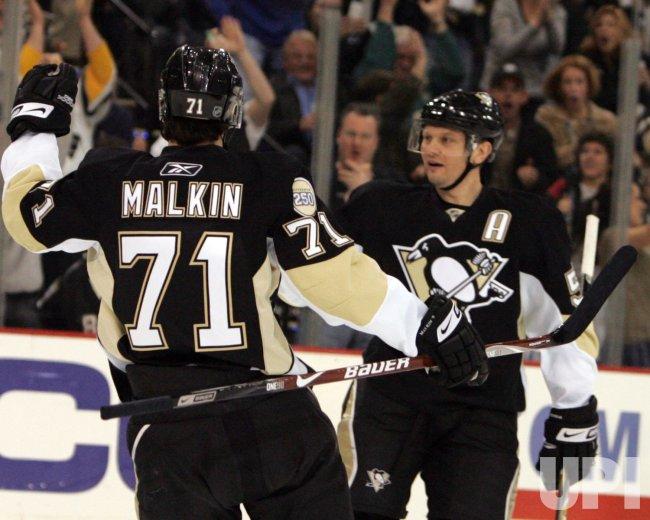 Pittsburgh Penguins vs Philadelphia Flyers