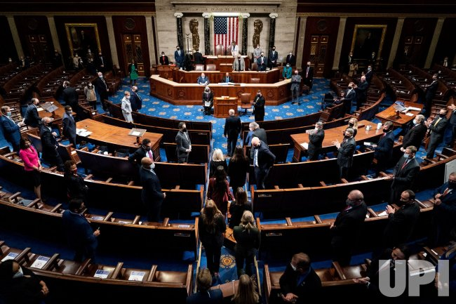 Congress Continues Counting of Electoral College Vote