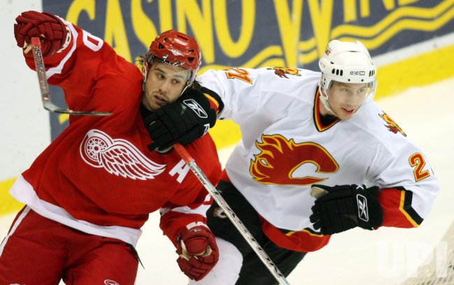 CALARY FLAMES VS DETROIT RED WINGS WESTERN CONFERENCE QUARTERFINALS