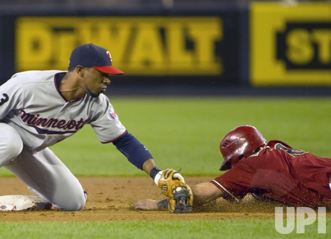 Minnesota Twins play the Arizona Diamondbacks