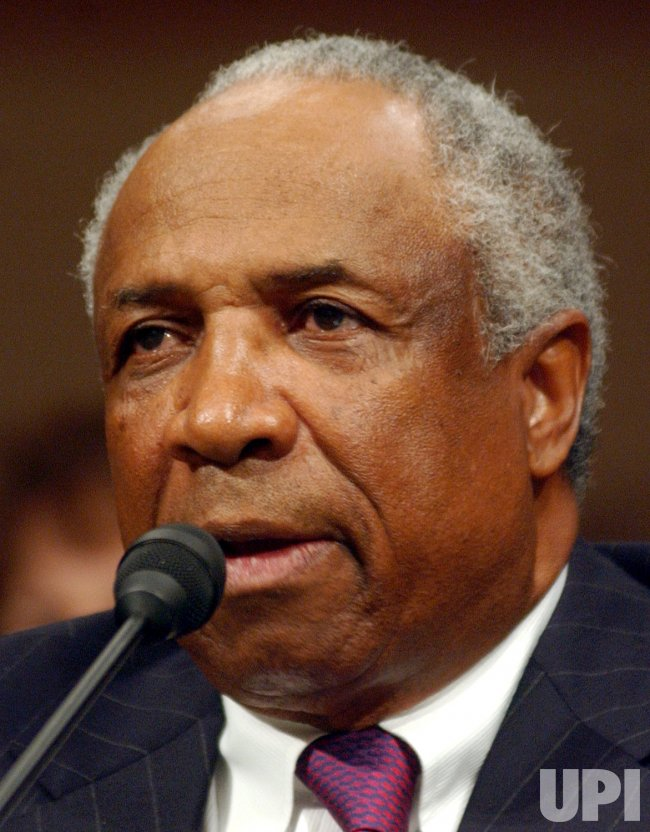 FRANK ROBINSON DISCUSSES RETIREMENT WITH SENATE COMMITTEE
