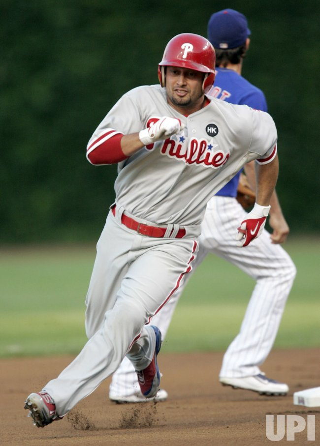 Philadelphia Phillies Center Fielder Victorino Triples Against Chicago Cubs