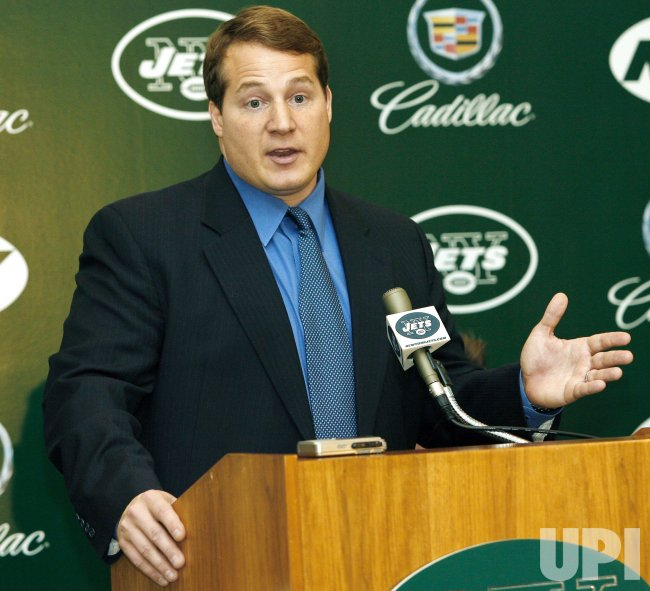 NEW JETS HEAD COACH ERIC MANGINI PRESS CONFERENCE