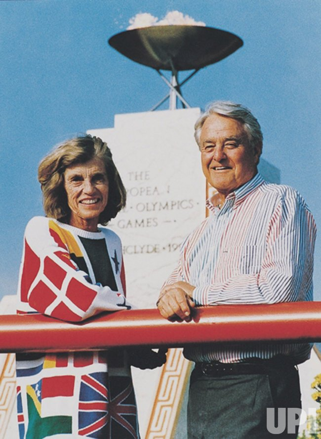 Eunice Kennedy Shriver dies at 88 in Massachusetts