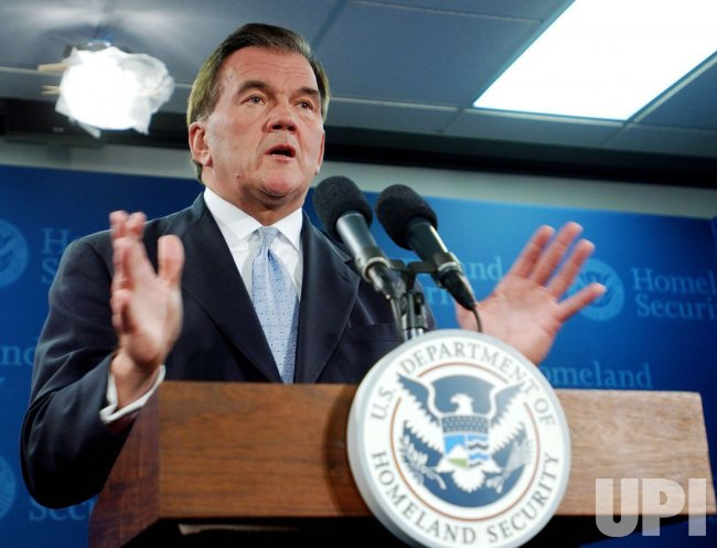 SECRETARY TOM RIDGE TO LEAVE CABINET POST