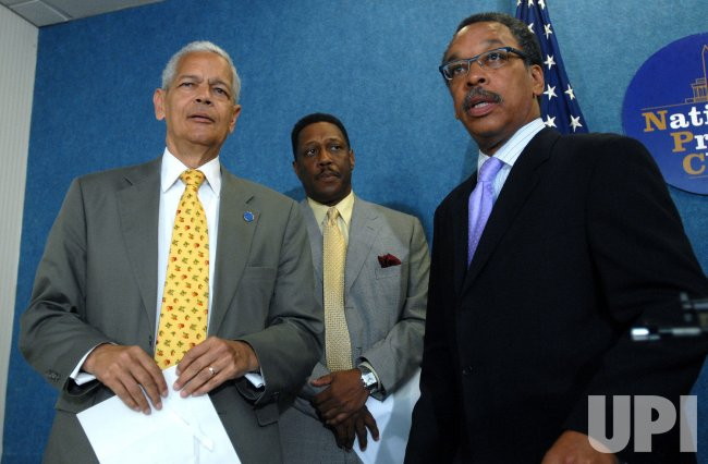 NAACP RETAINS TAX EXEMPT STATUS