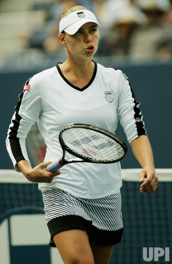 Caroline Wozniacki and Vera Zvonareva play semi- final match at the U.S. Open in New York