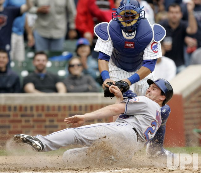 Cubs Catcher Soto Tags Out Mets Baserunner Murphy