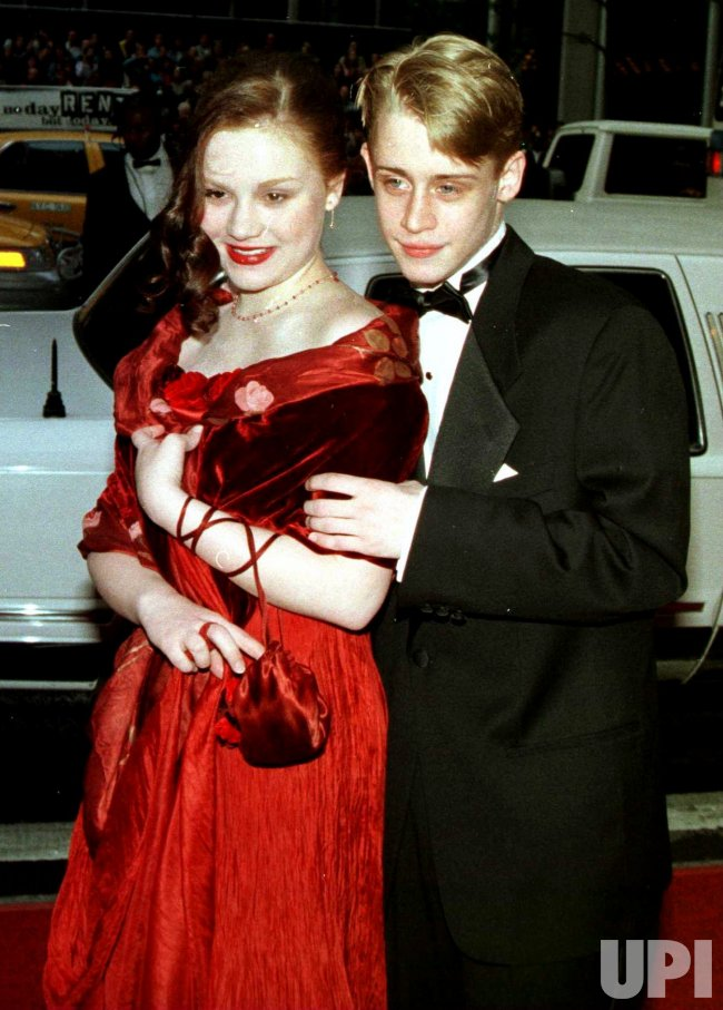 1998 Tony Awards ceremonies-Caulkin and sweetheart attend event
