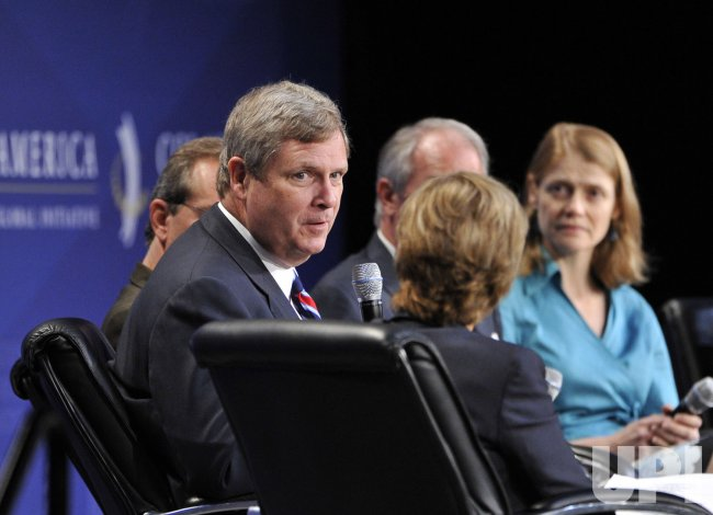 Vilsack participates in panel at CGI America in Chicago