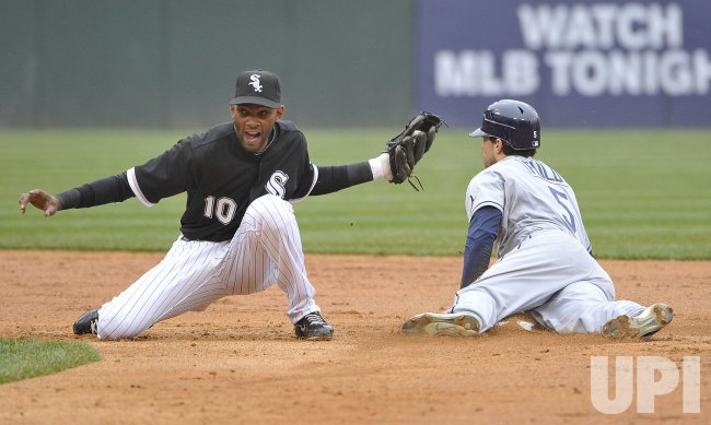 Rays Fuld steals second as White Sox Ramirez tries for tag in Chicago
