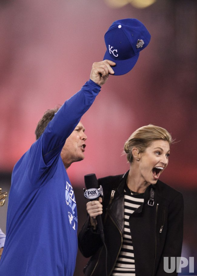 Royals manager Ned Yost celebrates after winning the ALCS