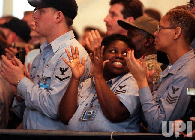 President Clinton visits troops at Norfolk Naval Base