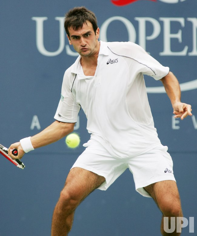 ANDY RODDICK VS FLORENT SERRA AT US OPEN