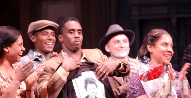 "SEAN COMBS DEBUTS IN BROADWAY PLAY""RAISIN IN THE SUN"""