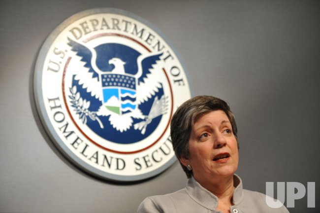 Secretary Napolitano speaks on the H1N1 flu in Washington