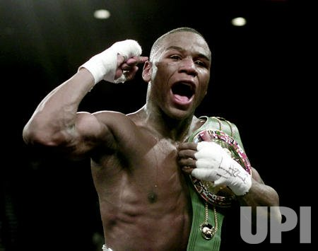 'Pretty Boy' Floyd Mayweather celebrates