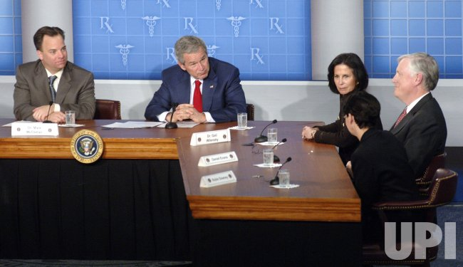 PRESIDENT BUSH SPEAK AT THE HEALTH AND HUMAN SERVICE HEADQUARTERS