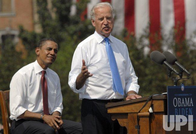 Barack Obama announces Joe Biden as his running mate in Springfield, IL