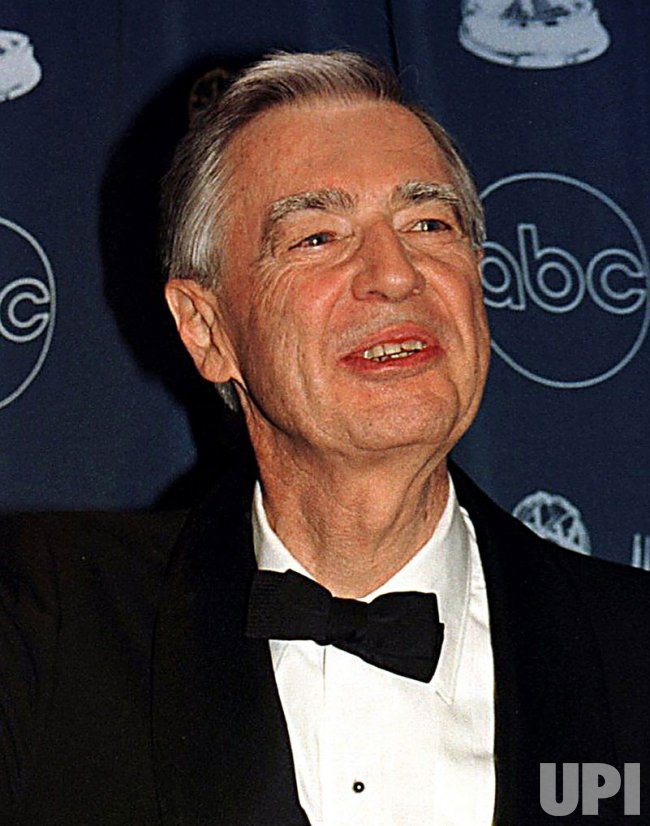 """Fred Rogers creator of tv show """"Mister Rogers' Neighborhood"""" dies at age 74"""