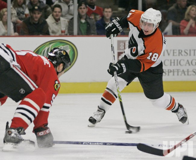 NHL HOCKEY PHILADELPHIA FLYERS VS CHICAGO BLACKHAWKS