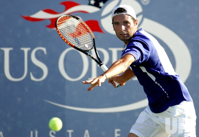 Robin Soderling and Albert Montanes compete at the U.S. Open in New York