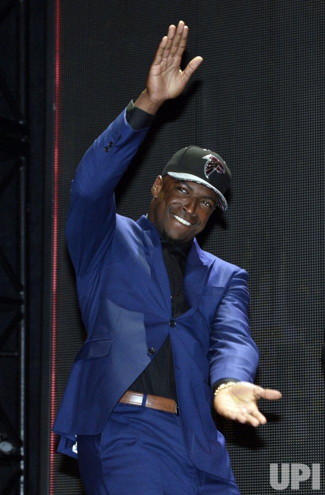 Atlanta Falcons select Keanu Neal at NFL Draft in Chicago