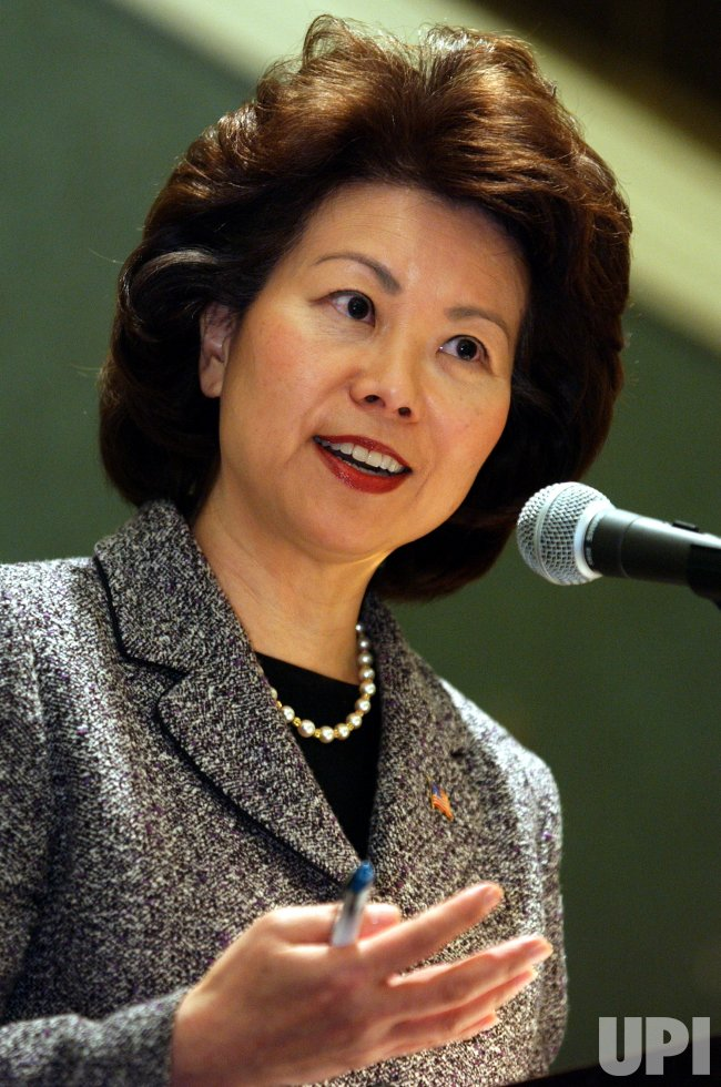 CHAO SPEAKS AT NEWSPAPERS ASSOCIATION CONFERENCE