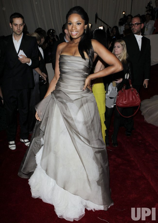 Jennifer Hudson arrives at the Costume Institute Gala Benefit in New York