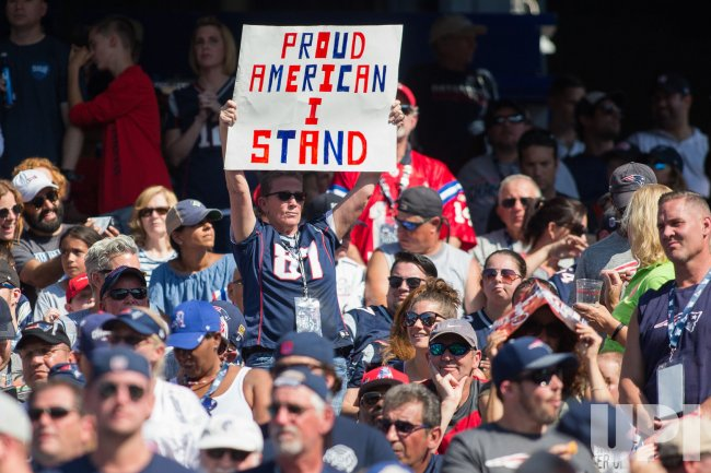 Patriots fans show support for national anthem