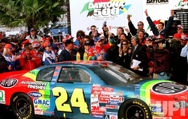 Jeff Gordon wins the Daytona 500