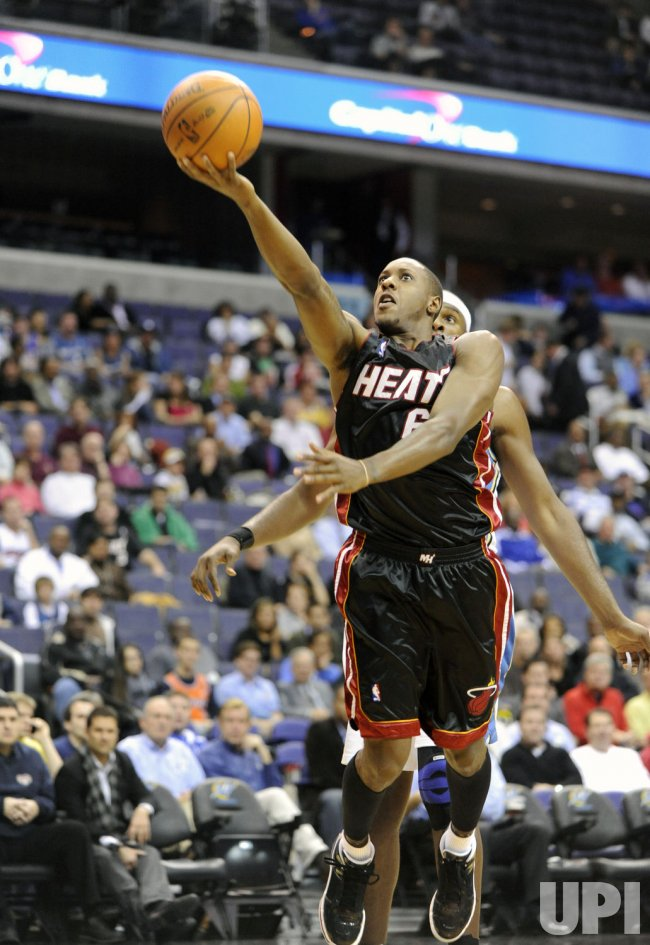 Heat's Chalmers shoots against the Wizards in Washington