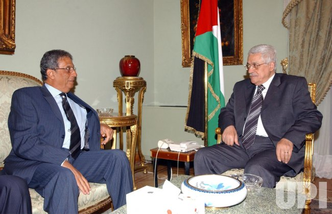 MOUSSA MEETS WITH ABBAS IN CAIRO