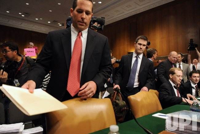 Senate committee questions Goldman Sachs officials on financial crises in Washington