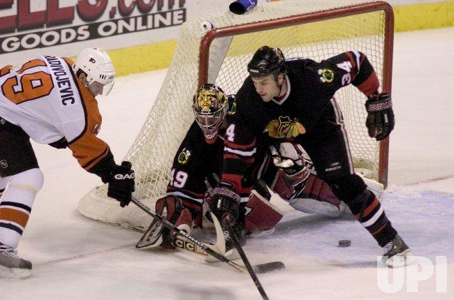 CHICAGO BLACKHAWKS AND PHILADELPHIA FLYERS IN NHL ICE HOCKEY