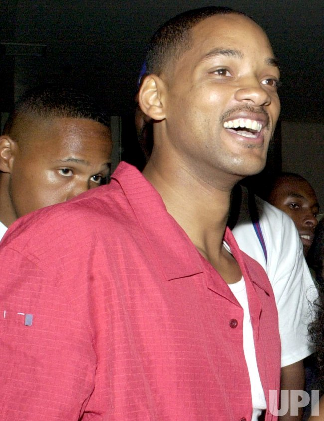 Will Smith receives 2002 Oscar Award nomination for Best Actor