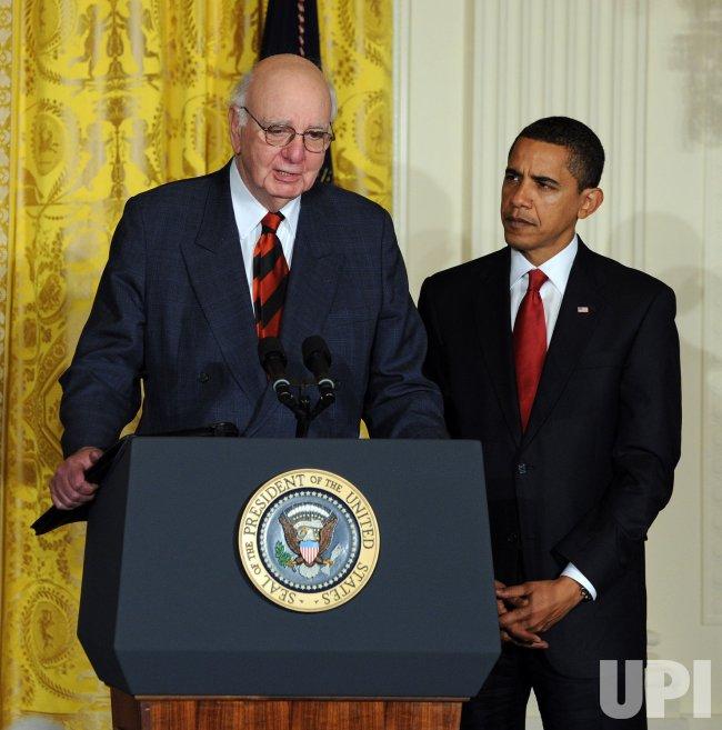 Obama introduces his Economic Recovery Advisory Board in Washington