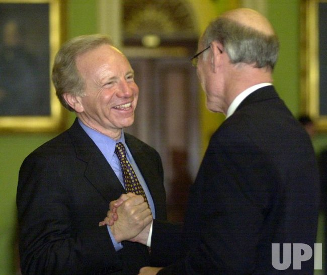 Lieberman returns to Senate