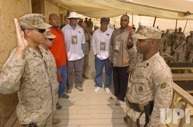 NFL PLAYERS ON USO TOUR OF IRAQ