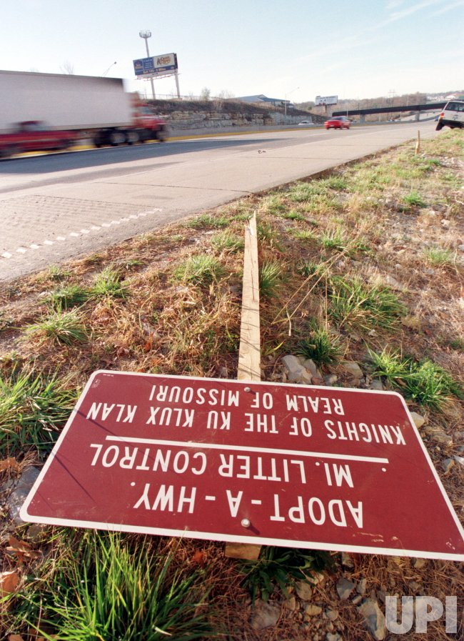 "KKK ""Adopt-A-Highway"" sign vandalized"
